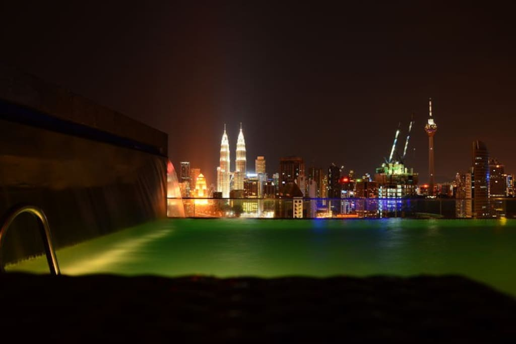 37th floor Infinity pool and KL city view, must see !