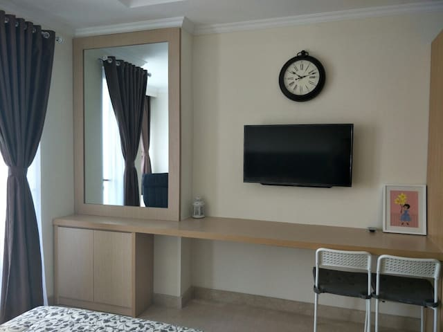 NEW LUXURY STUDIO WITH CITY VIEW & INTERNET CABLE