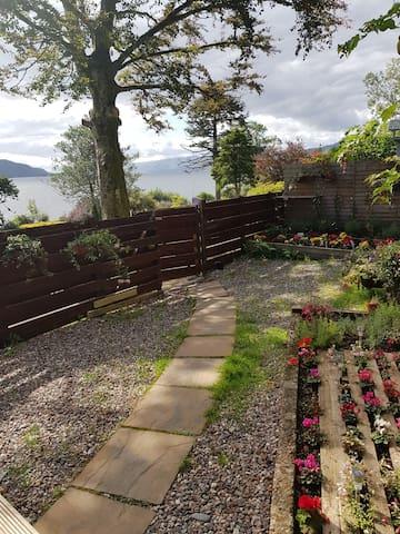 Highland Cottage2