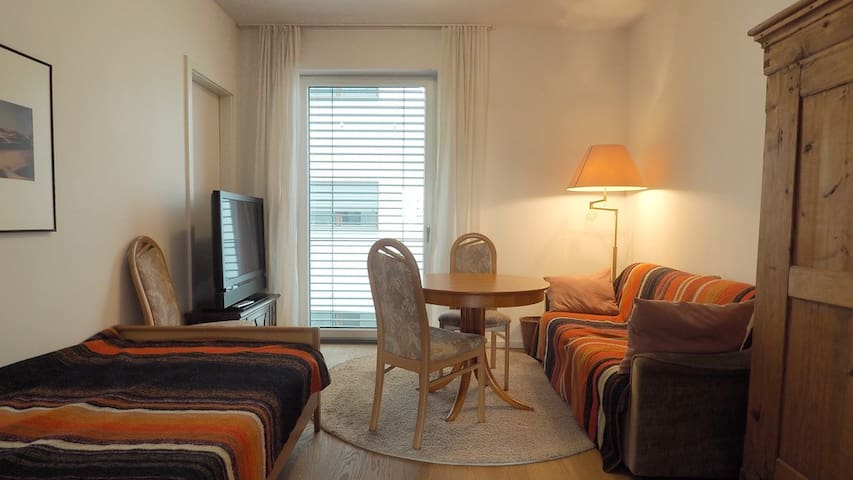 Quiet, comfortable room + bath, near main station.