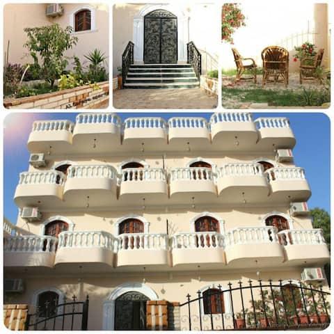 Al Saraya Luxor - Luxury Apartment  - Flat 4