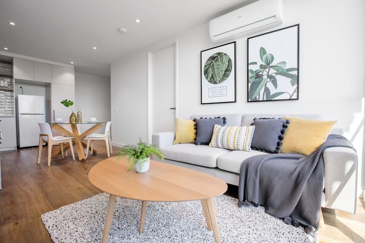 61 Boutique one-bedroom Boxhill Central Mall