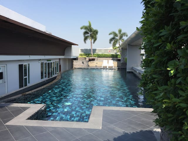 SUKHUMVIT 64 - BTS NEXT DOOR, POOL, FREE WIFI, NEW - Bangkok - Apartamento