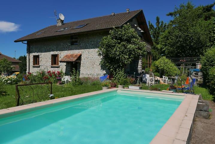Entre lac Léman et Alpes, aux portes de Genève. - Douvaine - Casa