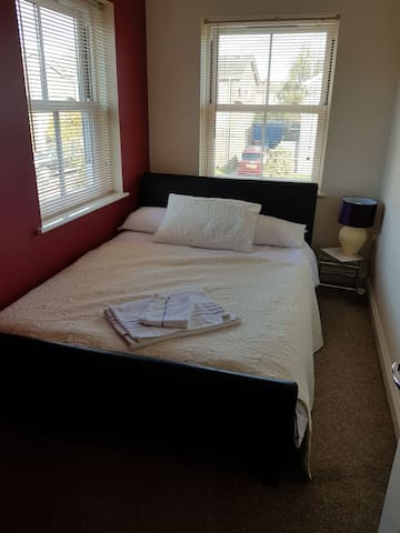 Stylish lovely smaller room with Double Bed
