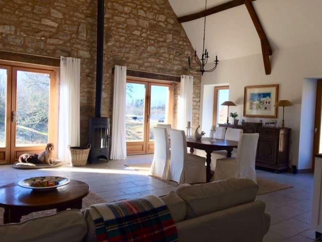 Charming French barn ideal for couple/short breaks