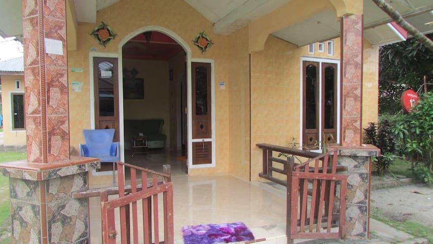 ADIFAH Homestay - Belitung  - Dom