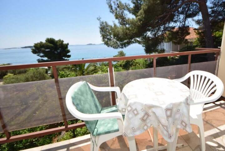 Borovina-3 Bedroom Apartment with Sea View&Balcony