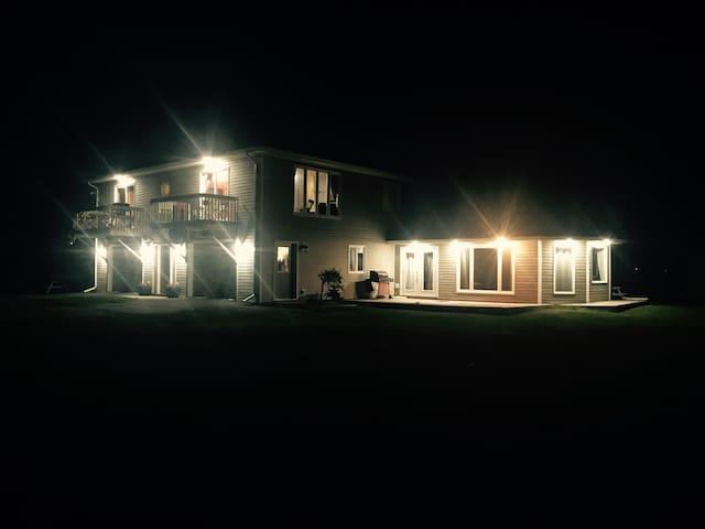 8 bedroom Beachhouse rental