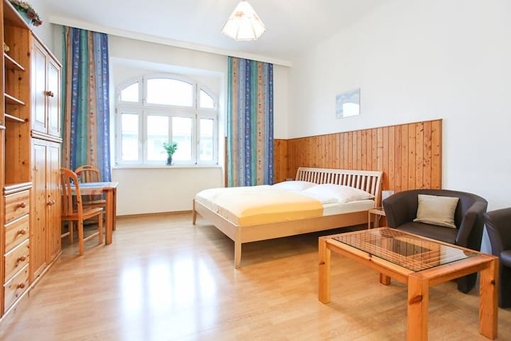 Friendly and cheap Apartment for 2