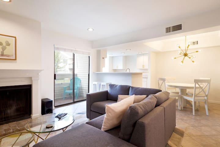 Resort Style Living @ Best Dallas Location