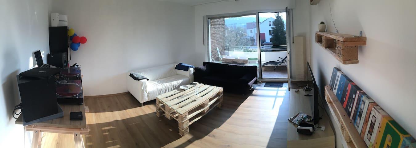 1 ZKB, Balkon + Parkplatz - Bielefeld - Apartment