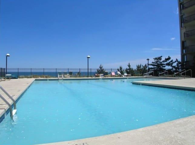 Braemar Towers 404 - North OC w/ Pool, Gym, Tennis