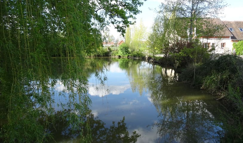 Au pays des chateaux de la Loire... - Prunay-Cassereau - Hus