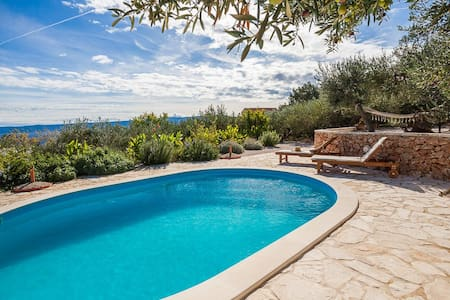Family friendly villa /private pool /stunning view - Bol