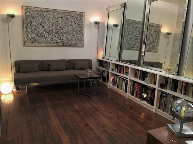 East Village. Best Space/Location 1 Bdrm 1 Person