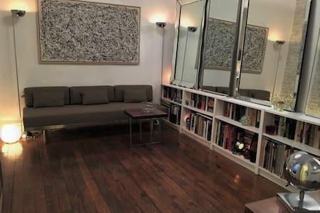 East Village. Best Space/Location 1 Bdrm 1 Person