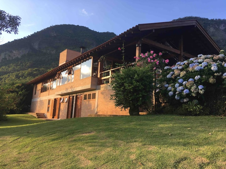 Country house with beautiful view to Pedra do Bau