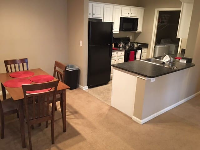 Corporate 1-Bedroom Furnished Unit - Oak Ridge