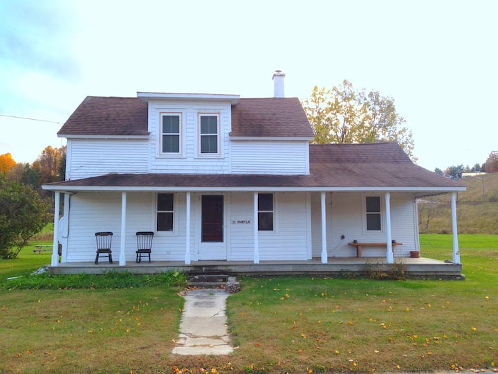 The Jay House - 1840 Farmhouse