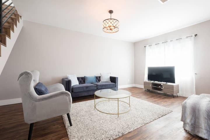 Modern One Bedroom in North Park