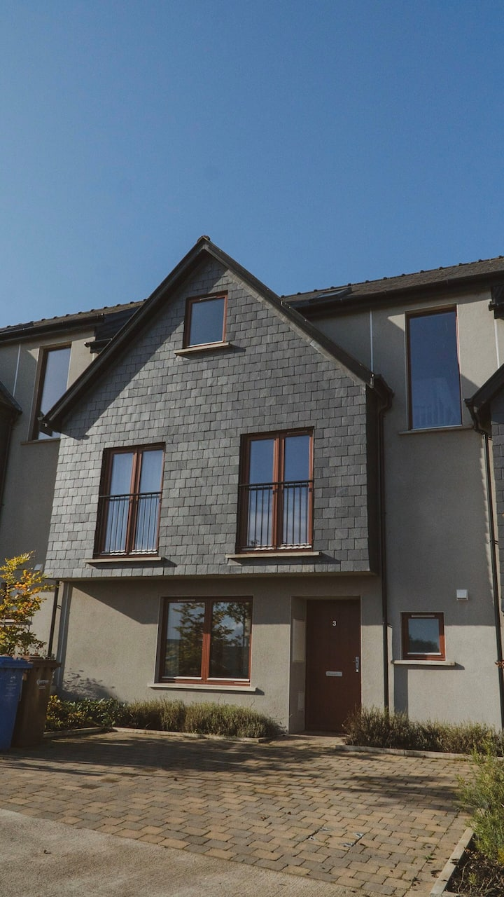 New Townhouse overlooking Kinsale harbour