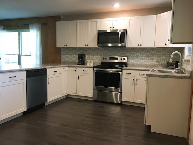 Fully remodeled kitchen with all new appliances.