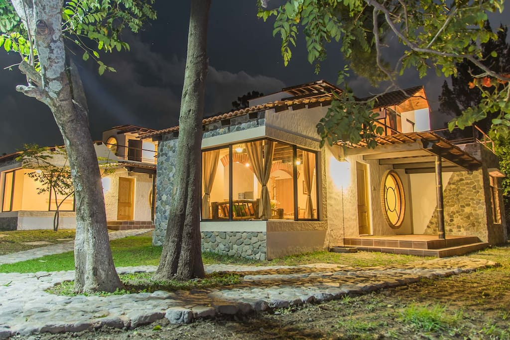Villa jucanya 2 lago de atitlan villas for rent in for Villas jucanya
