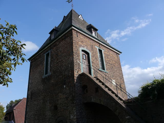 Live in a old tower from 1663 like in a fairy tale - Hünxe