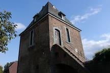 Alter Wehrturm, Niederrhein, Nähe zu OB, D, K, NL
