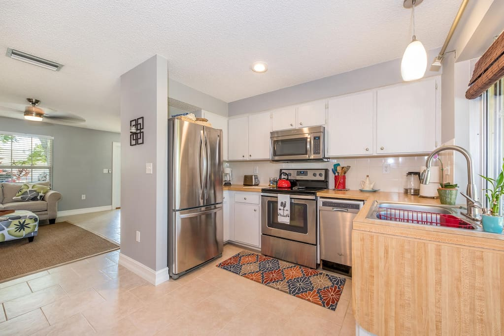 All new appliances, fully stocked kitchen