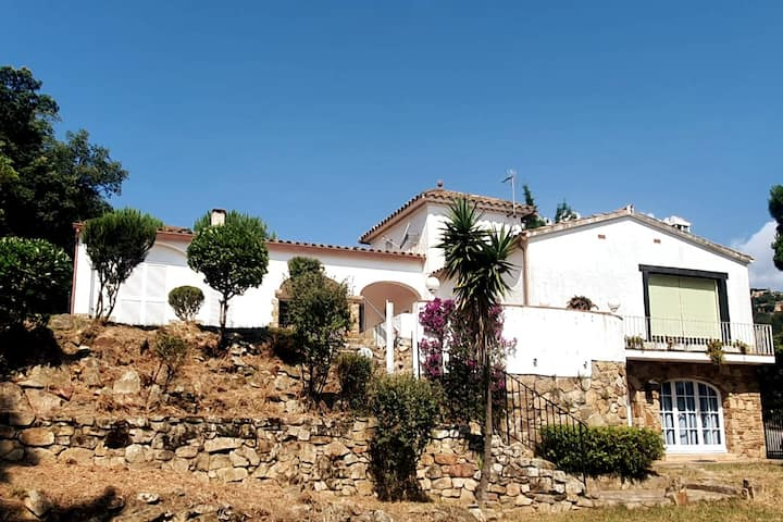 Très jolie villa à Platja d'Aro avec vue sur baie