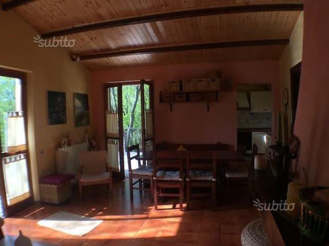Casa Lu' - Sigillo - Rumah