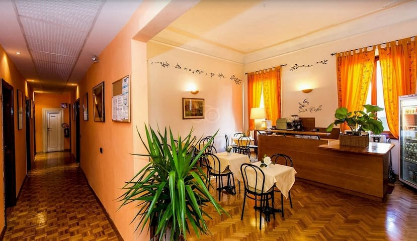 HOTEL LEOPOLDA*** CAMERA SINGOLA - Florencia - Bed & Breakfast