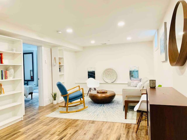 ENTIRE PLACE: Sanitized-clean, pretty, guest suite