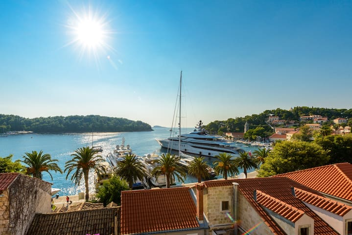Attic Studio in heart of Cavtat