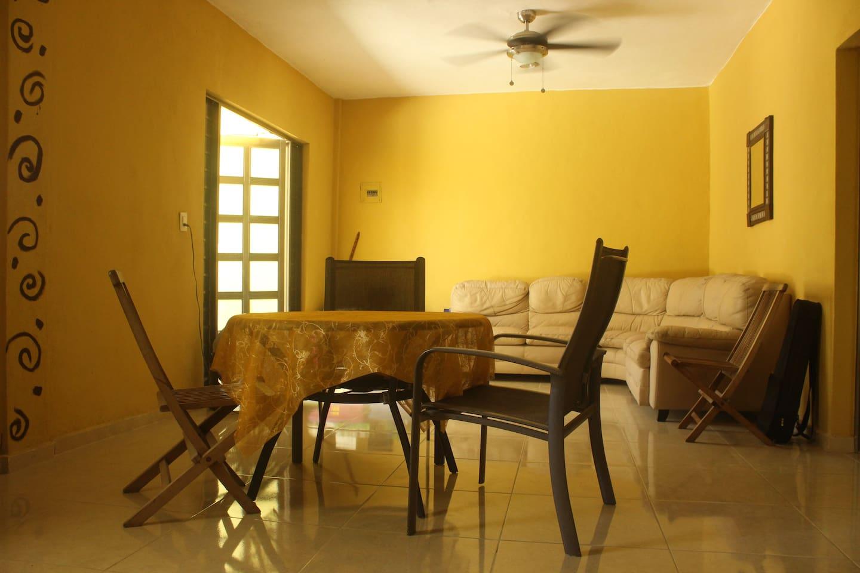 Sala compartida / Lounge (shared)
