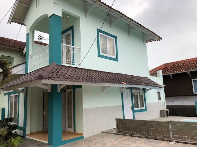 Giisca Villa at Bukit Cipendawa