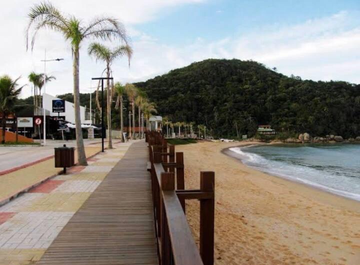 Casa com ar próximo à praia 🏖 entre itapema e Bc