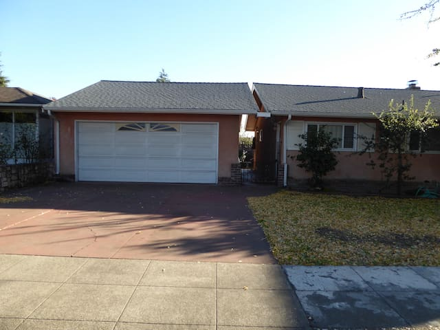 Convenient Location-SF Bay Area Home for Travelers