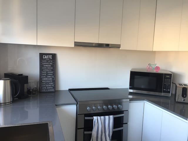 Newly renovated apartament at coogee beach