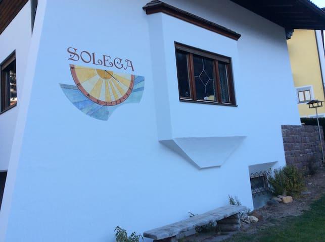 Chalet Solega con terrazza panoramica.