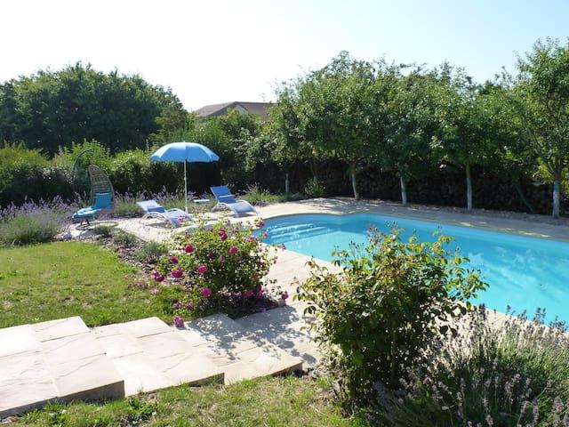 Chambre à la campagne / piscine proche de Nancy