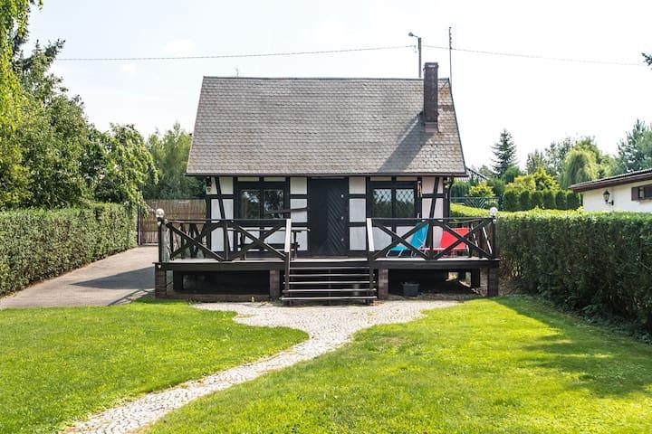 Magnifique maison de vacances à Wielka Wies sur le lac