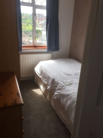 Light compact box room with free street parking