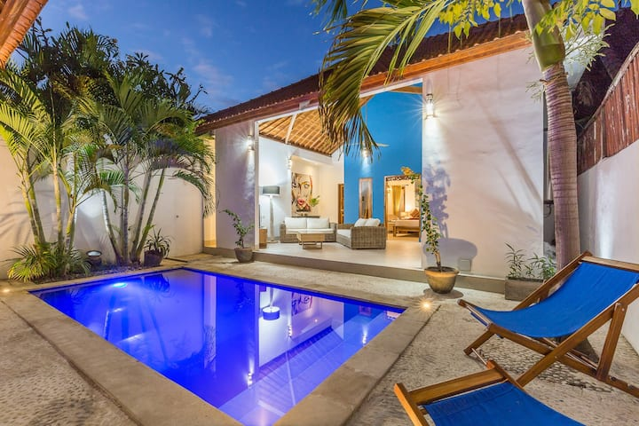 Lovely 2BR private pool seminyak