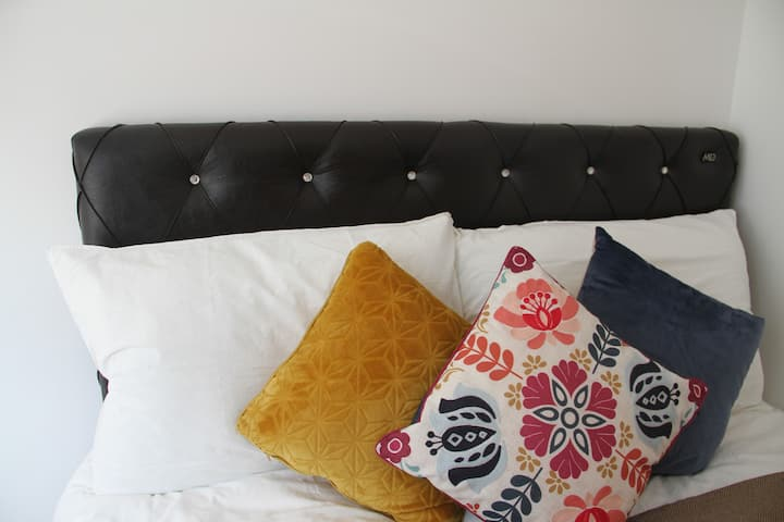 Double Bedroom close to Euston Station London (3)