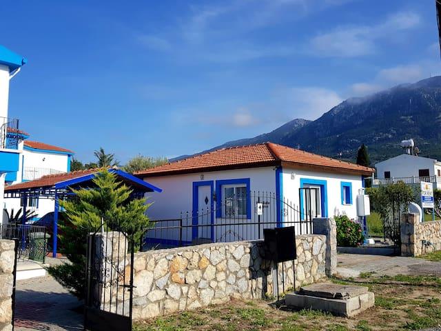 Seaside House spectacular mountain & sea views
