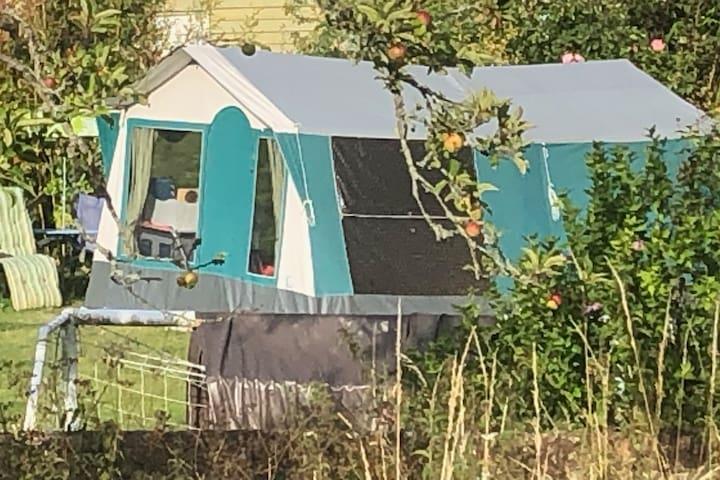 Retro-Chic Camping in a unique spot near Brighton