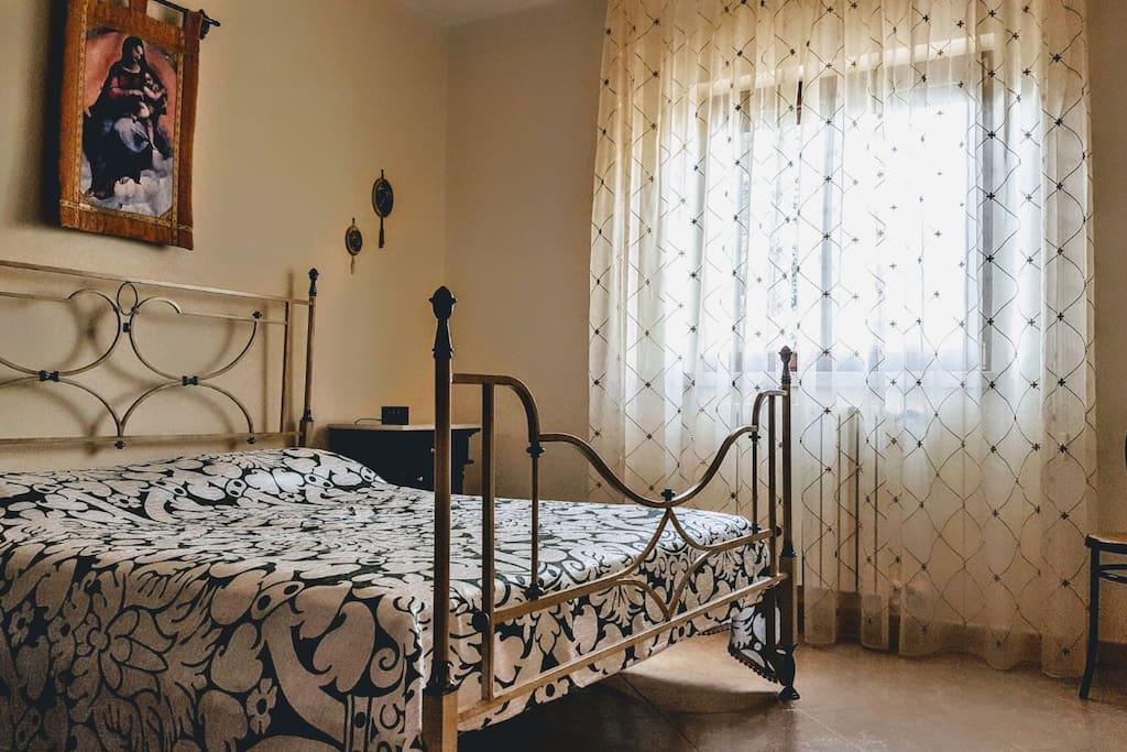 La camera da letto per due persone